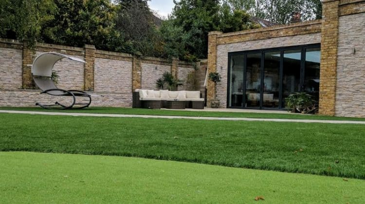 domestic artificial putting green